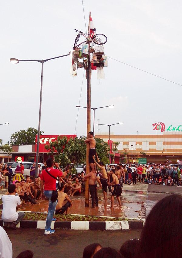 panjat-pinang-indonesia